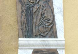 Gábor Miklós-emléktábla, 2002, bronz és kő, 100x55 cm, Zalaegerszeg