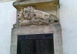 Hottó hősi emlékműve, 1936, műkő