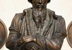 Kálvin János, Zalaegerszeg, 2002, bronz, kő, 80 cm
