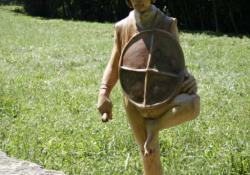 Kis sámán, 1996, festett fa, 102 cm