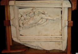 Michelangelo, fehér samott, fa