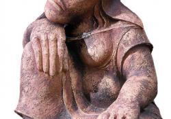 Pihenő nő, 1990, agyagmázas samott, 50 cm