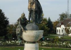 Szent István, 2000, bronz és kő, 350 cm, Zalakaros