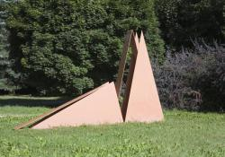 Zalaegerszeg, Variáció háromszögekkel, 1997, festett acél, 245x392 cm