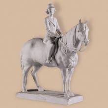 Erzsébet hercegnő lovas szobra, herendi porcelán, 1937, ltsz. K.76.3.53.